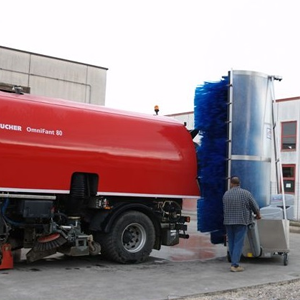 truck washing equipments. Bitimec Wash-Bots diesel powered 626 EZ tank washing machine